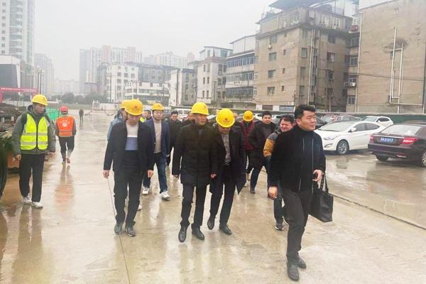 南昌市住建局专家莅临桃花南路安置房项目开展考核评价工作600400P1.jpg